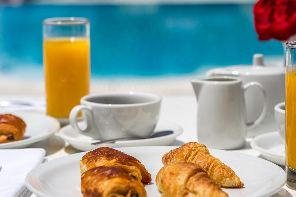 Greek breakfast 0